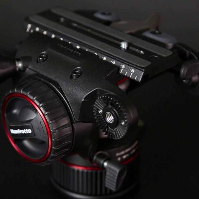 Manfrotto Nitrotech N8 - Vista trasera de zapata, ajuste de giro y rosca para accesorios