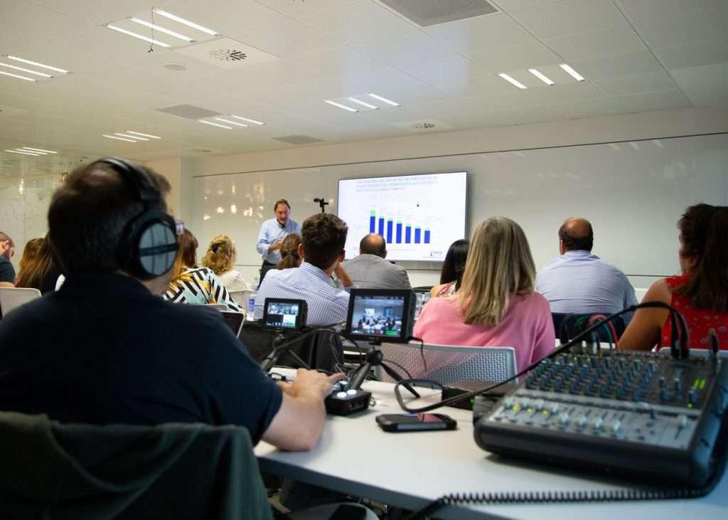 Operador de Streaming Emitiendo Formación Online